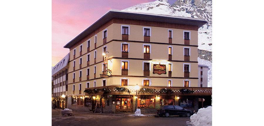 Italy_Cervinia_Hotel_grivola_exterior.jpg